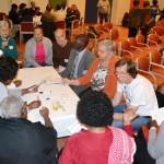 In groepen met experts in gesprek 9711